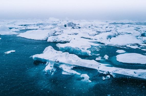 Lo scioglimento dei ghiacciai artici è causato dal cambiamento climatico